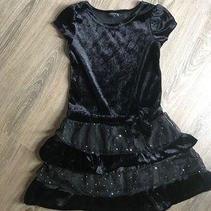 Size 7/8 black crushed velvet dress